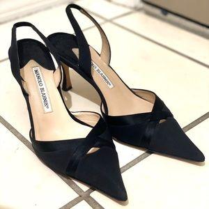 Manolo Blahnik small black heel